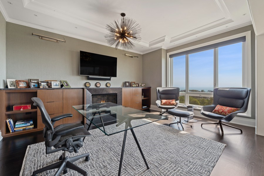 Real Estate Photography - 2550 N Lakeview Ave, Unit S1201, Chicago, IL, 60614 - Library
