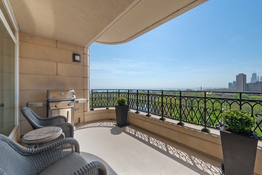 Real Estate Photography - 2550 N Lakeview Ave, Unit S1201, Chicago, IL, 60614 - Balcony