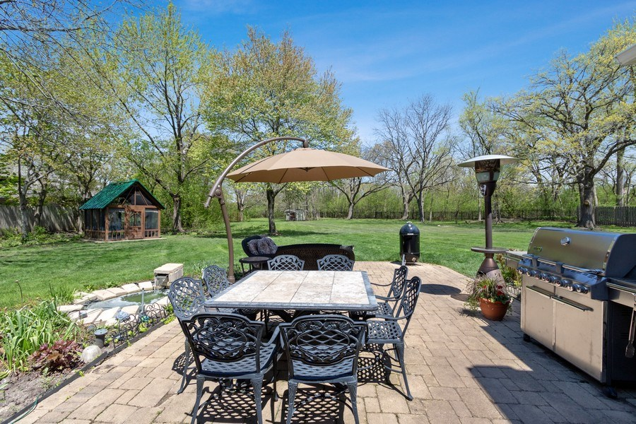 Real Estate Photography - 1570 Everett, Lake Forest, IL, 60045 - Patio