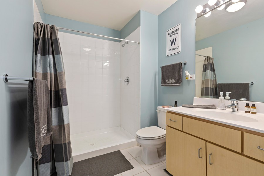 Real Estate Photography - 630 N Franklin St, 809, Chicago, IL, 60654 - Bathroom