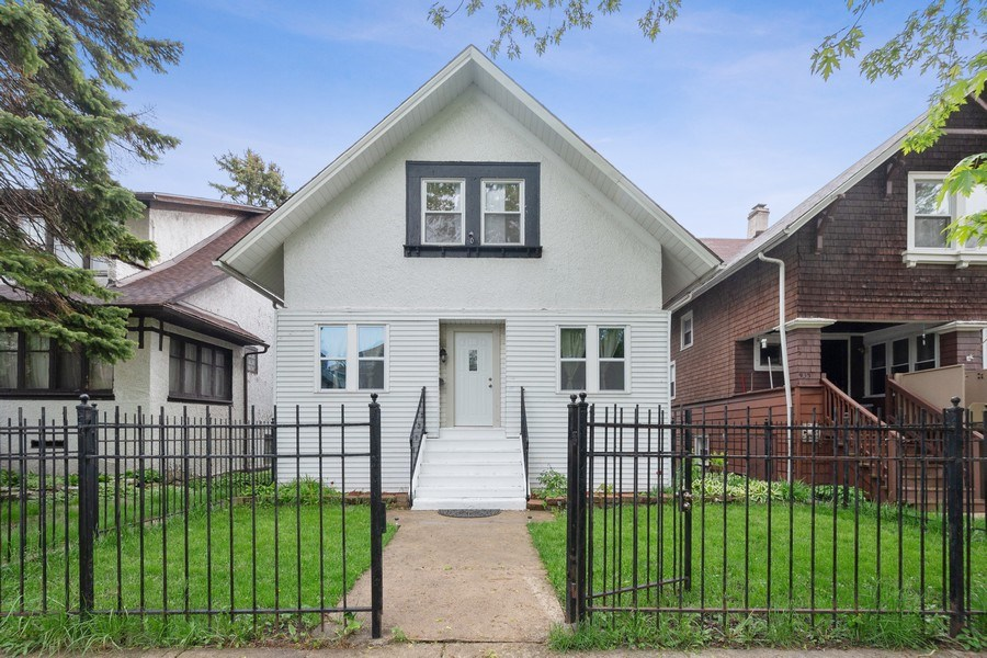 Real Estate Photography - 939 N Lorel Ave, Chicago, IL, 60651 - Front View
