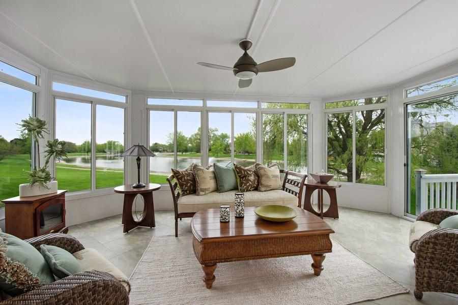 Real Estate Photography - 7 Westlake Dr, South Barrington, IL, 60010 - Sun Room