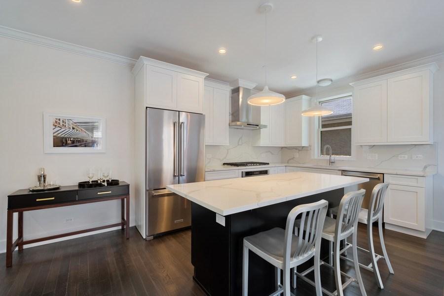 Real Estate Photography - 555 Michigan Ave, Unit 2, Evanston, IL, 60202 - Kitchen