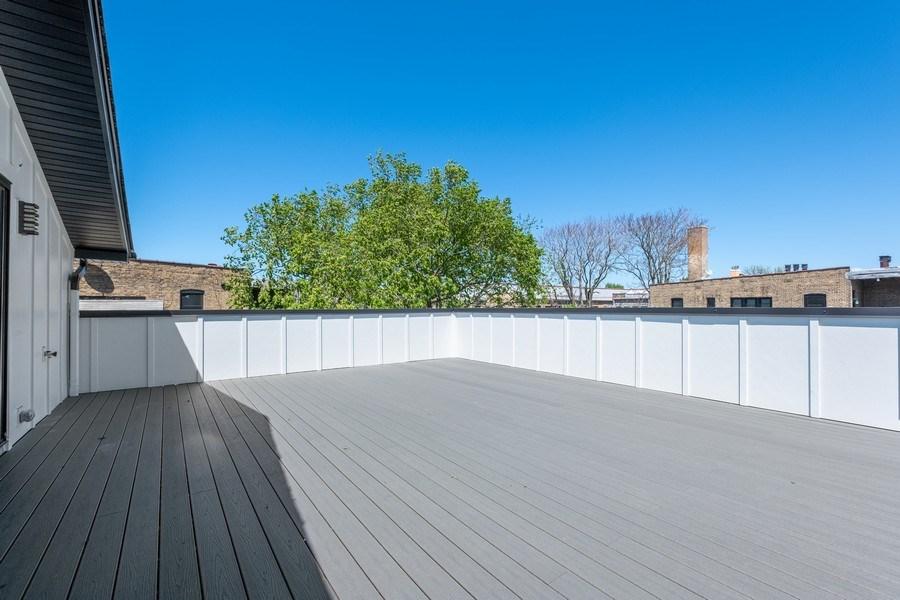 Real Estate Photography - 555 Michigan Ave, Unit 2, Evanston, IL, 60202 - Deck