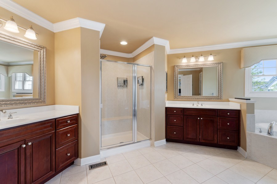 Real Estate Photography - 2200 Fielding, Glenview, IL, 60026 - Master Bathroom