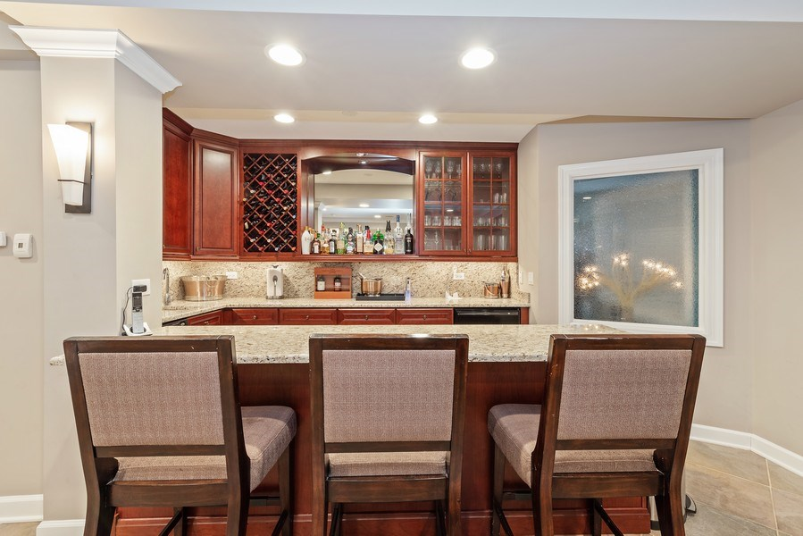 Real Estate Photography - 2200 Fielding, Glenview, IL, 60026 - Wet Bar