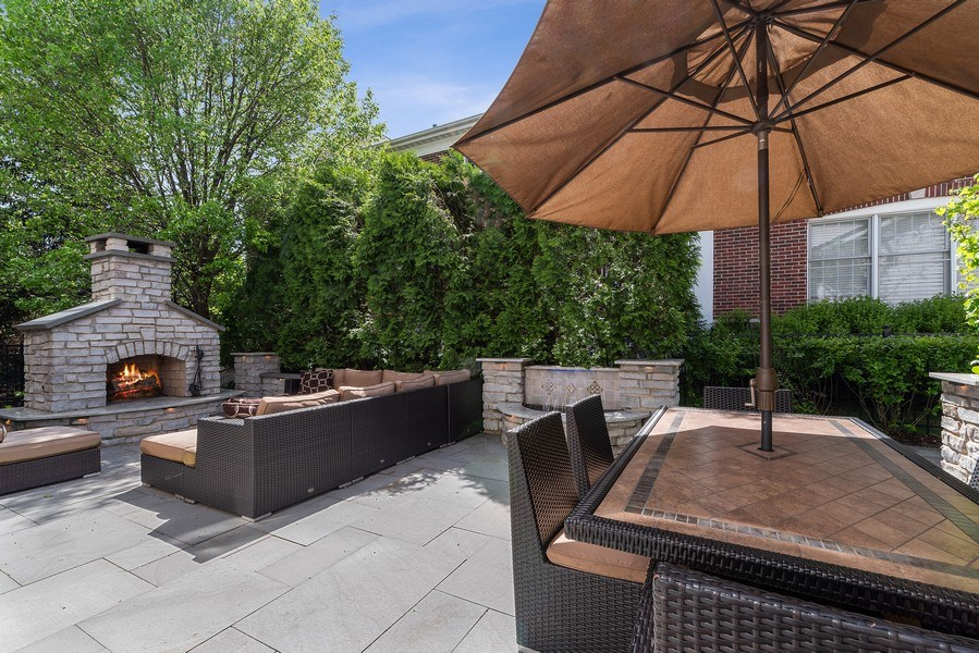 Real Estate Photography - 2200 Fielding, Glenview, IL, 60026 - Spacious patio