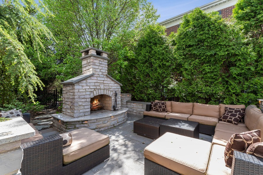 Real Estate Photography - 2200 Fielding, Glenview, IL, 60026 - Patio