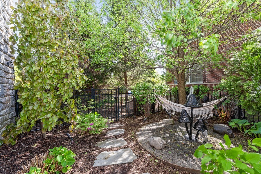 Real Estate Photography - 2200 Fielding, Glenview, IL, 60026 - Resting nook with water feature