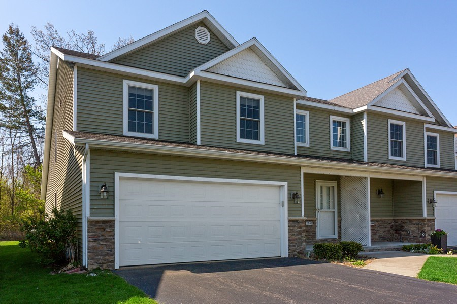 Real Estate Photography - 2540 Holiday House Road, St. Joseph, MI, 49085 - Front View