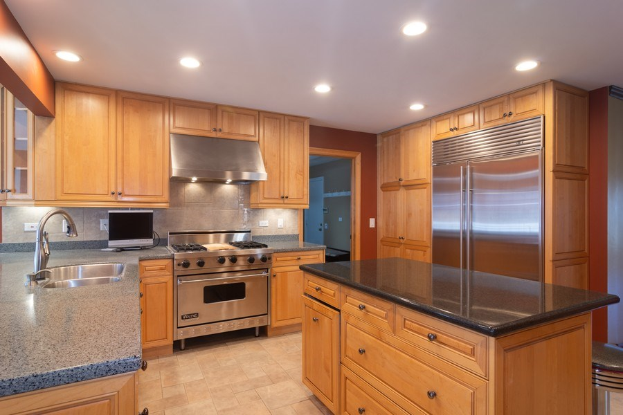 Real Estate Photography - 640 Valley, Palatine, IL, 60067 - Kitchen