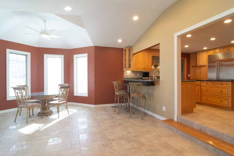 Real Estate Photography - 640 Valley, Palatine, IL, 60067 - Kitchen / Breakfast Room