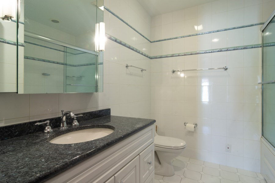 Real Estate Photography - 640 Valley, Palatine, IL, 60067 - Bathroom