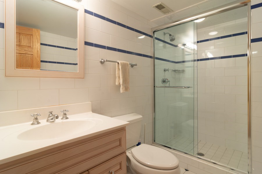 Real Estate Photography - 640 Valley, Palatine, IL, 60067 - 2nd Bathroom