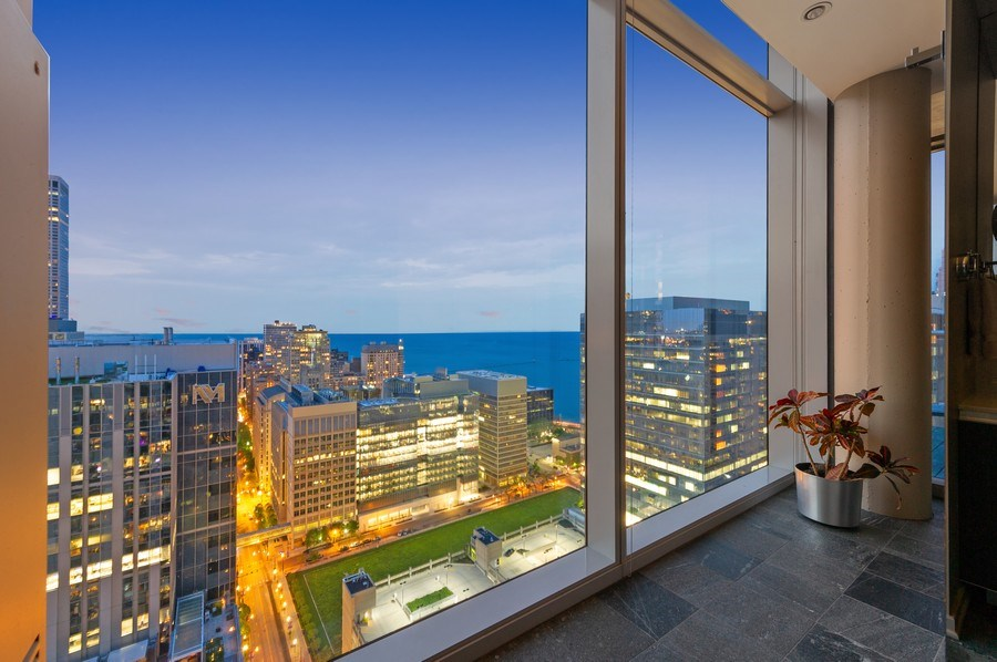 Real Estate Photography - 600 N Fairbanks Ct, PH3801, Chicago, IL, 60611 - Who Wouldn't Want To Enjoy This View When Taking A
