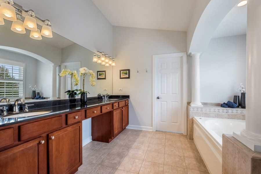 Real Estate Photography - 1713 Primrose Ln, Glenview, IL, 60026 - Master Bathroom