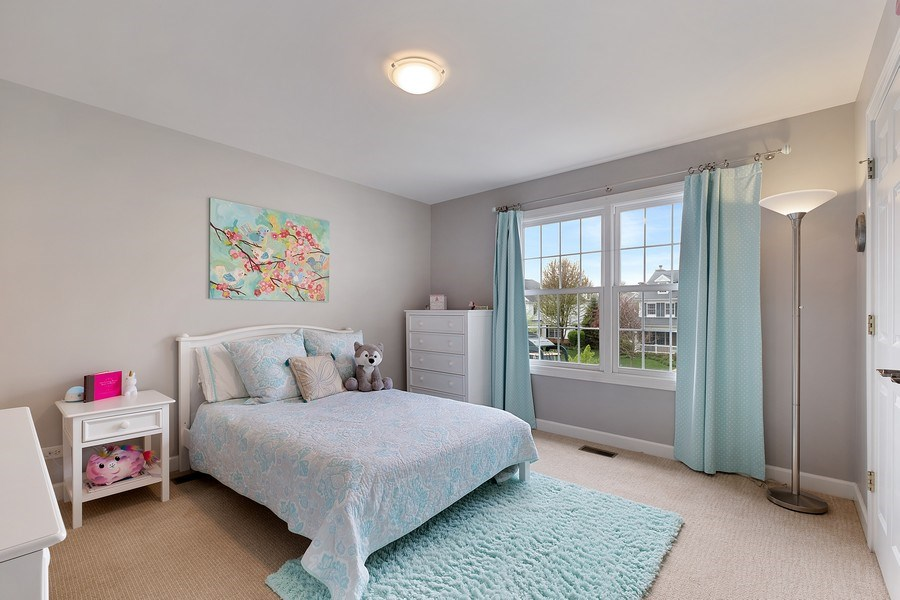 Real Estate Photography - 1713 Primrose Ln, Glenview, IL, 60026 - 3rd Bedroom