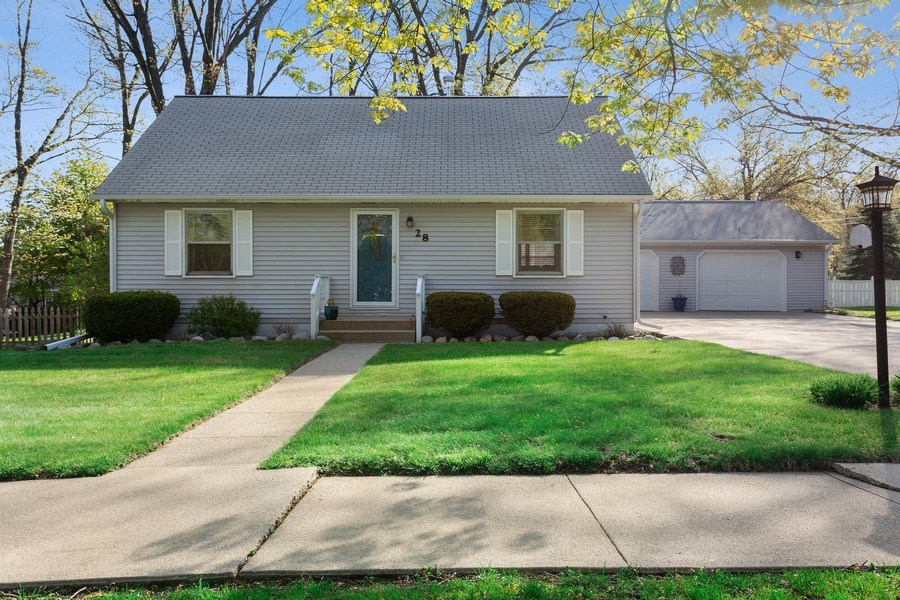 Real Estate Photography - 28 S. Griffith St, New Buffalo, MI, 49117 - Front View
