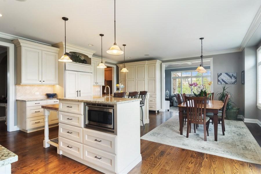 Real Estate Photography - 22141 W Windridge, kildeer, IL, 60047 - Kitchen / Breakfast Room