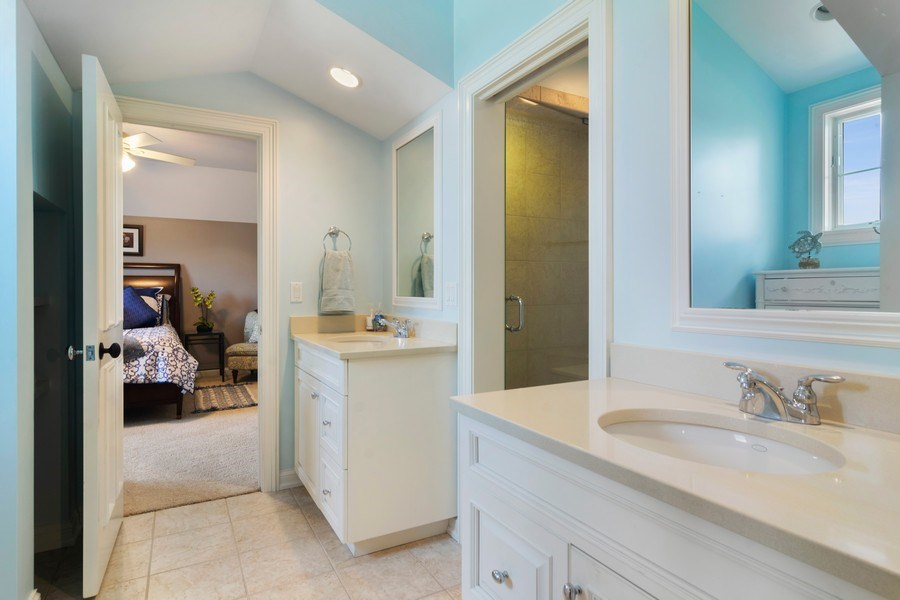 Real Estate Photography - 22141 W Windridge, kildeer, IL, 60047 - Bathroom