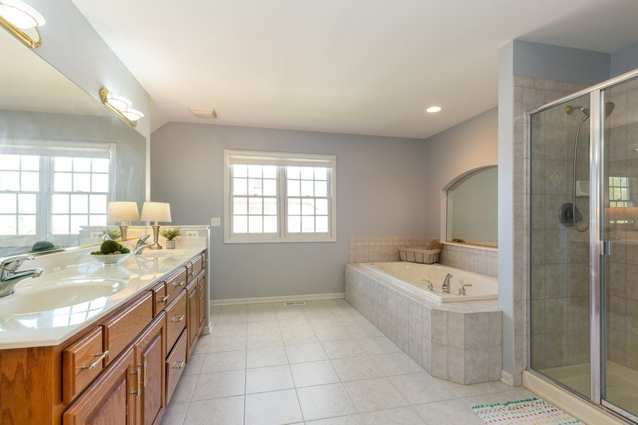 Real Estate Photography - 674 Waterside, South Elgin, IL, 60177 - Master Bathroom