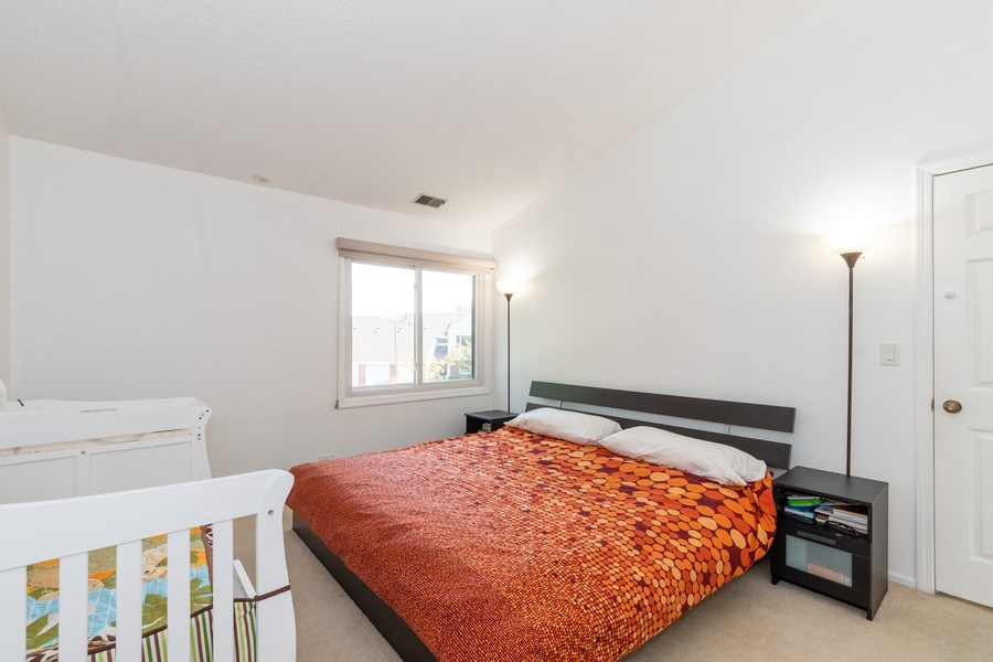 Real Estate Photography - 107 Windwood Ct, Buffalo Grove, IL, 60089 - Master Bedroom
