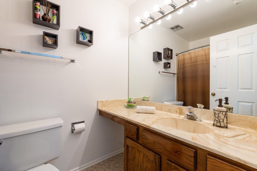Real Estate Photography - 107 Windwood Ct, Buffalo Grove, IL, 60089 - Bathroom