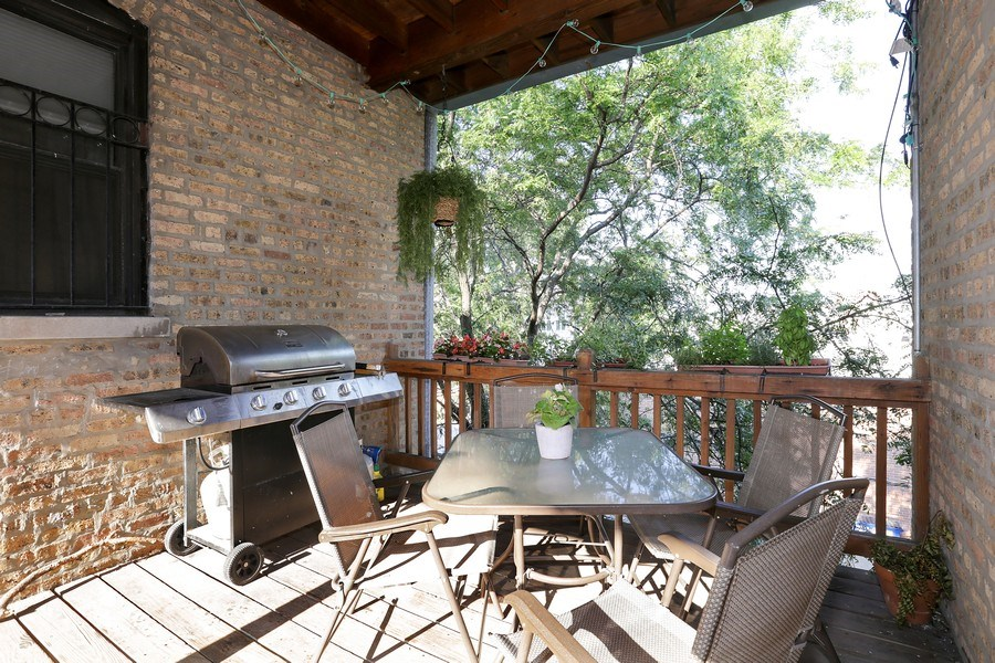 Real Estate Photography - 4055 N Sheridan Rd, #5, Chicago, IL, 60613 - Deck
