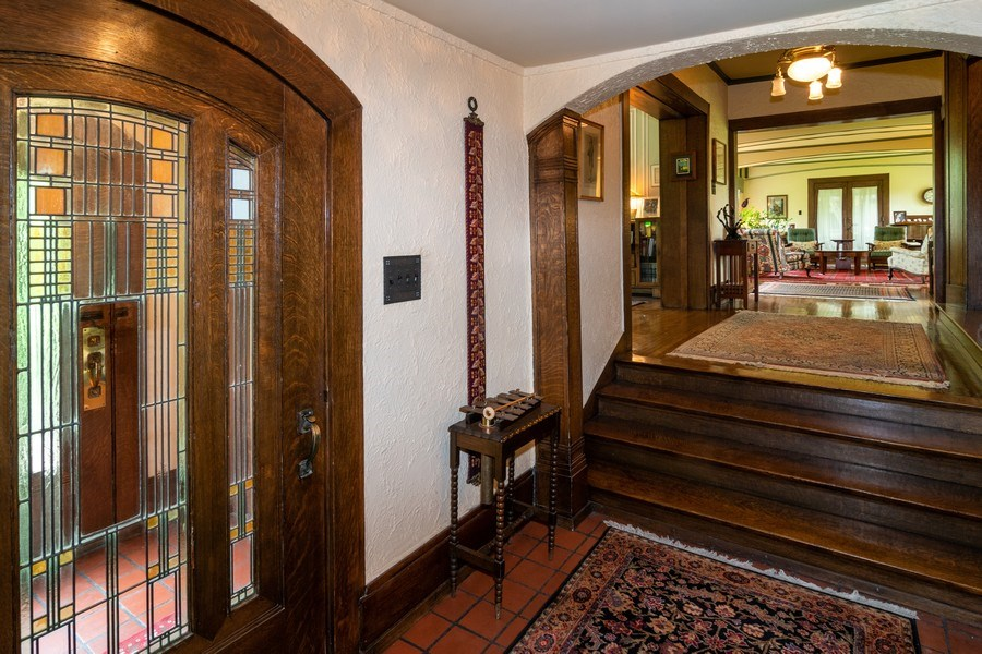 Real Estate Photography - 415 Linden Ave, Oak Park, IL, 60302 - Foyer