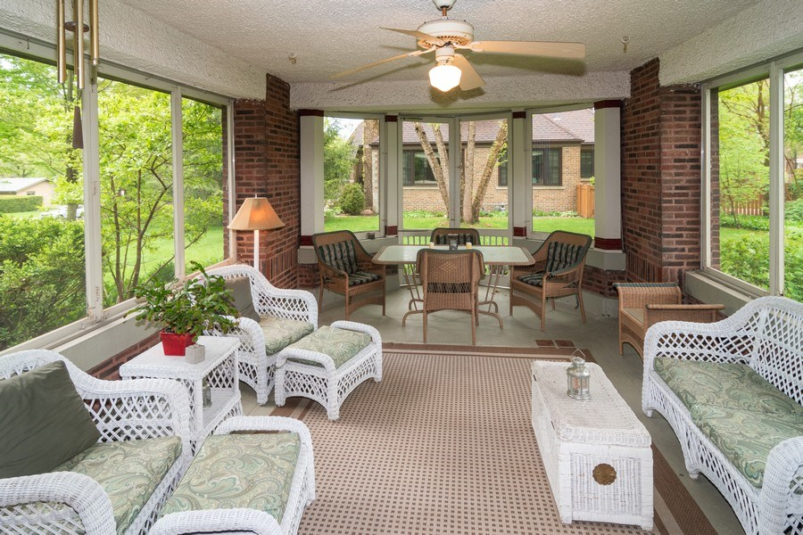 Real Estate Photography - 415 Linden Ave, Oak Park, IL, 60302 - Screened Porch