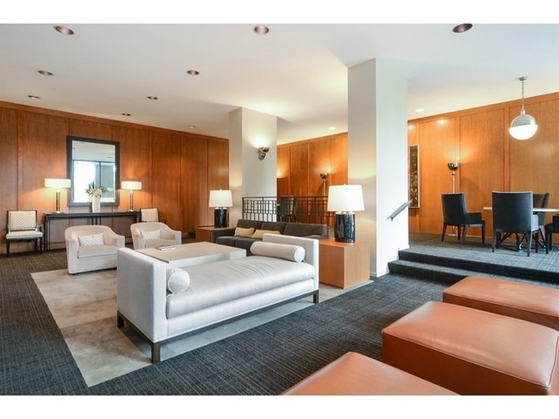 Real Estate Photography - 2626 N Lakeview Ave, Unit 1909, Chicago, IL, 60614 -