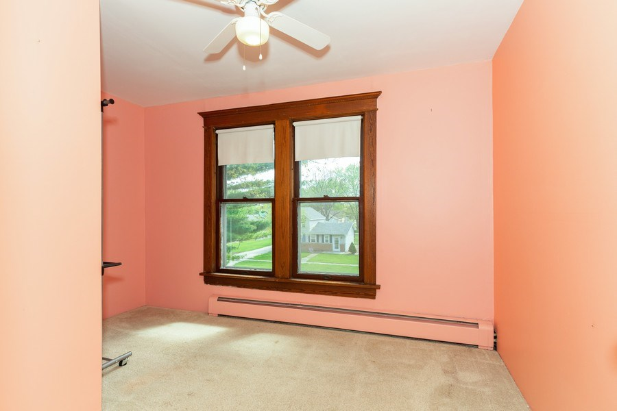 Real Estate Photography - 307 Monroe St, Gardner, IL, 60424 - Office