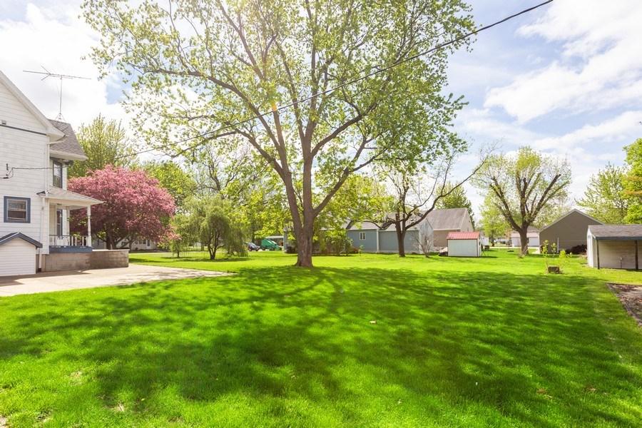 Real Estate Photography - 307 Monroe St, Gardner, IL, 60424 - Back Yard