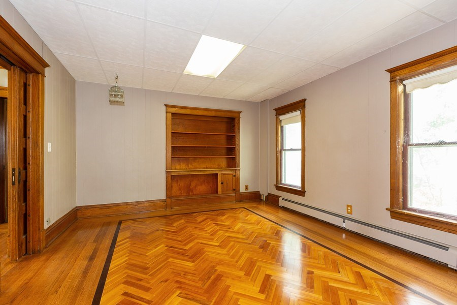 Real Estate Photography - 307 Monroe St, Gardner, IL, 60424 - Family Room