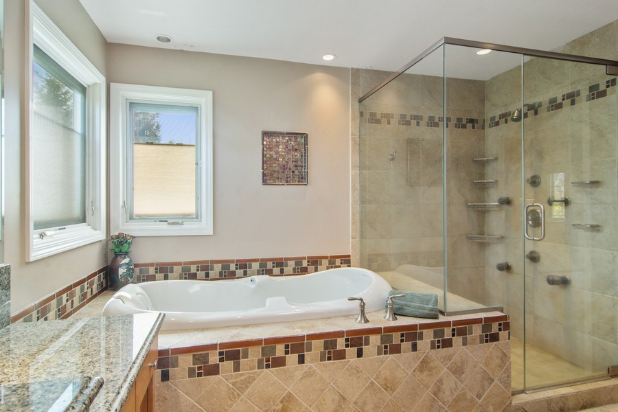 Real Estate Photography - 193 Boxwood, Hawthorn Woods, IL, 60047 - Master Bathroom