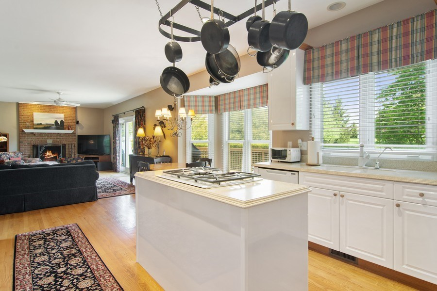 Real Estate Photography - 193 Boxwood, Hawthorn Woods, IL, 60047 - Kitchen
