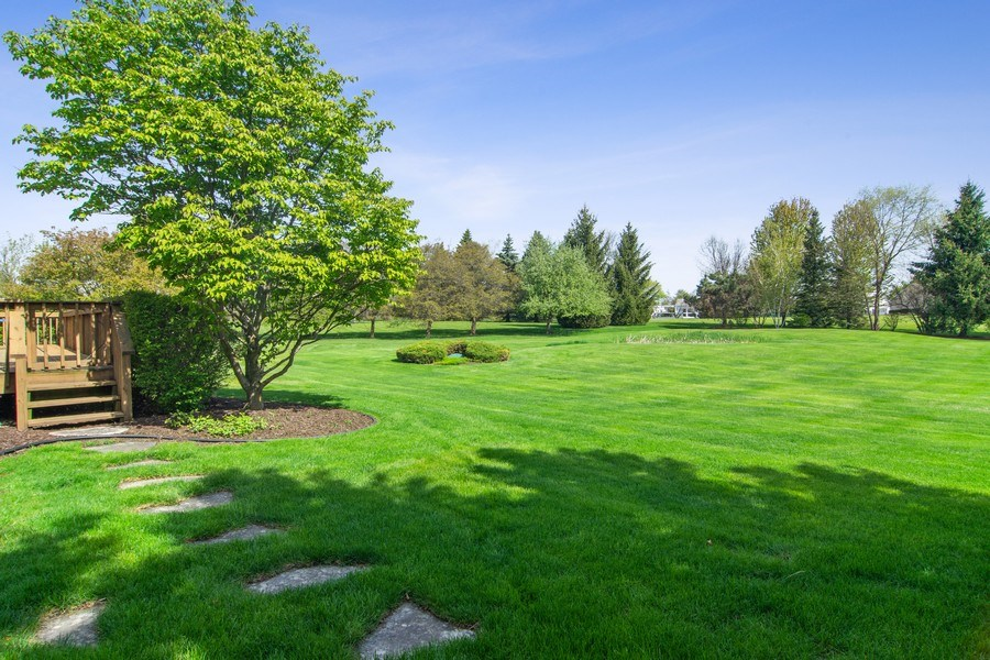 Real Estate Photography - 193 Boxwood, Hawthorn Woods, IL, 60047 - Back Yard