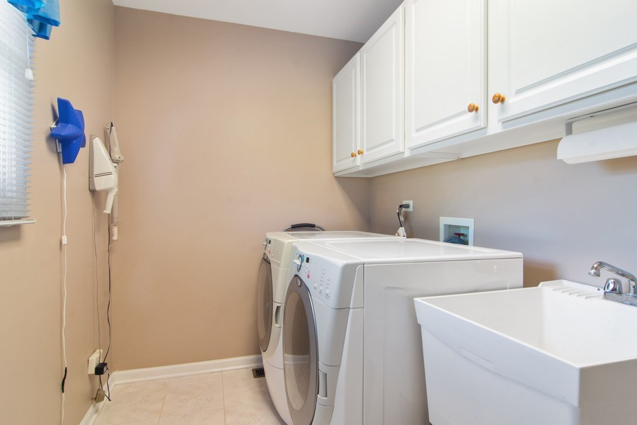 Real Estate Photography - 193 Boxwood, Hawthorn Woods, IL, 60047 - Laundry Room