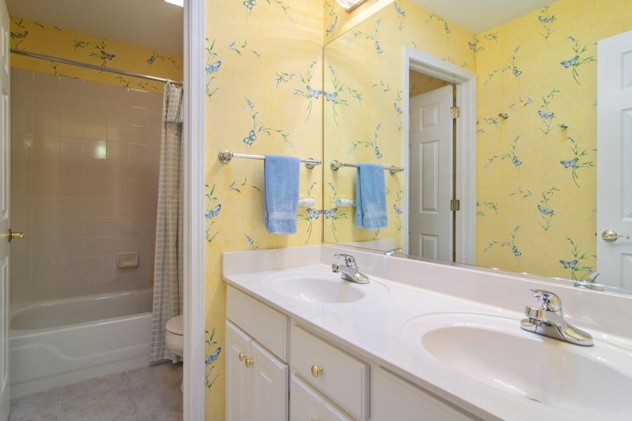 Real Estate Photography - 193 Boxwood, Hawthorn Woods, IL, 60047 - Bathroom