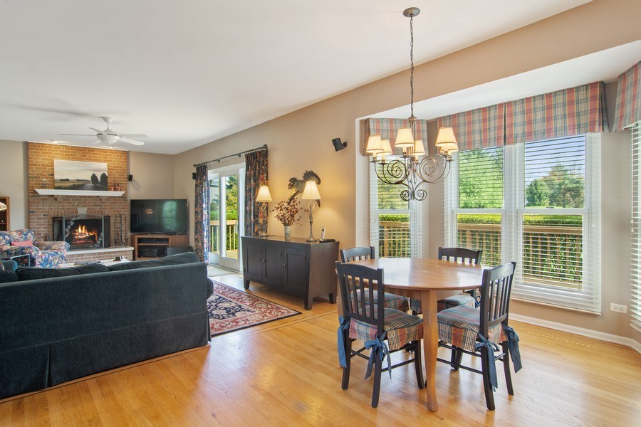 Real Estate Photography - 193 Boxwood, Hawthorn Woods, IL, 60047 - Breakfast Nook