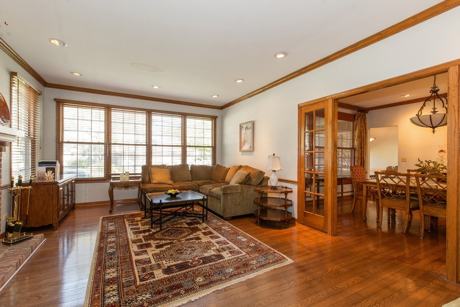 Real Estate Photography - 100 Radcliffe Ct, Glenview, IL, 60026 - Family Room
