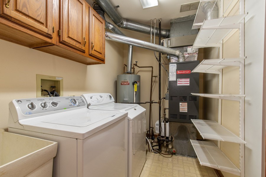 Real Estate Photography - 100 Radcliffe Ct, Glenview, IL, 60026 - Laundry Room