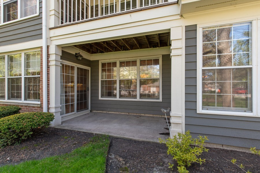 Real Estate Photography - 100 Radcliffe Ct, Glenview, IL, 60026 - Patio