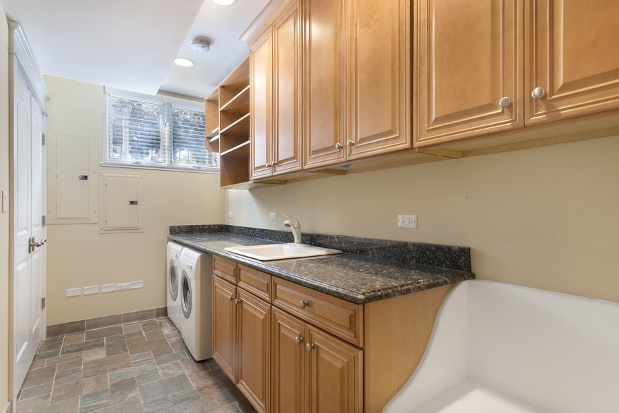 Real Estate Photography - 1739 Altgeld Avenue, Chicago, IL, 60614 - Laundry Room