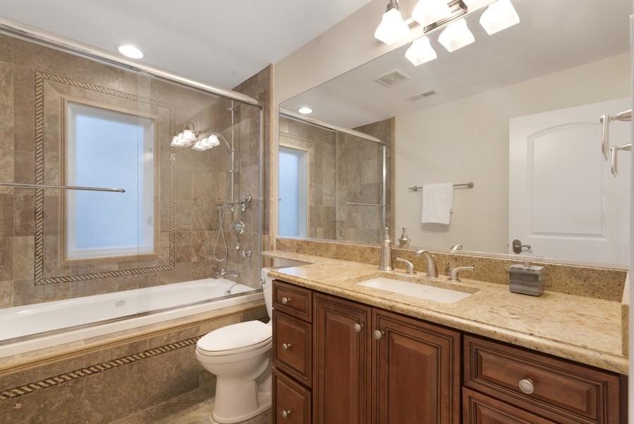 Real Estate Photography - 1739 Altgeld Avenue, Chicago, IL, 60614 - Bathroom