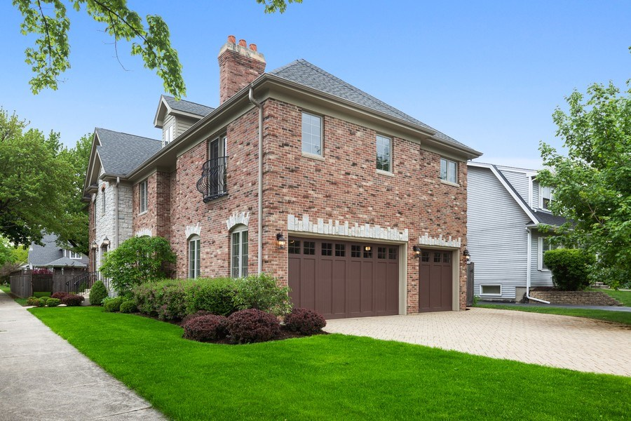 Real Estate Photography - 663 S Mitchell, Elmhurst, IL, 60126 - Side View