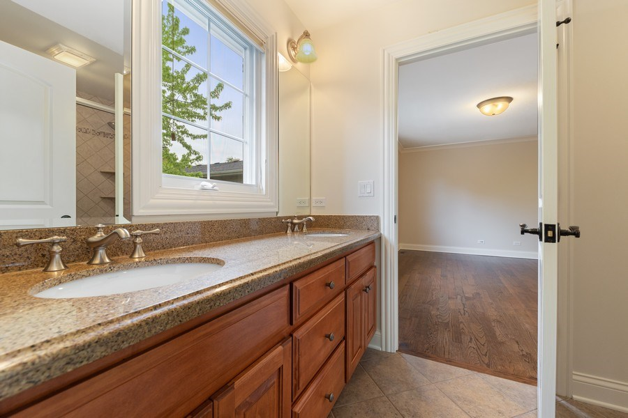 Real Estate Photography - 663 S Mitchell, Elmhurst, IL, 60126 - Ensuite Bathroom