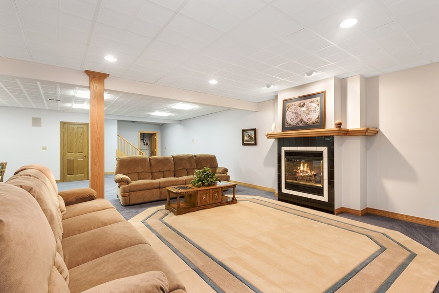 Real Estate Photography - 2337 Spring Arbor, St. Joseph, MI, 49085 - Family Room