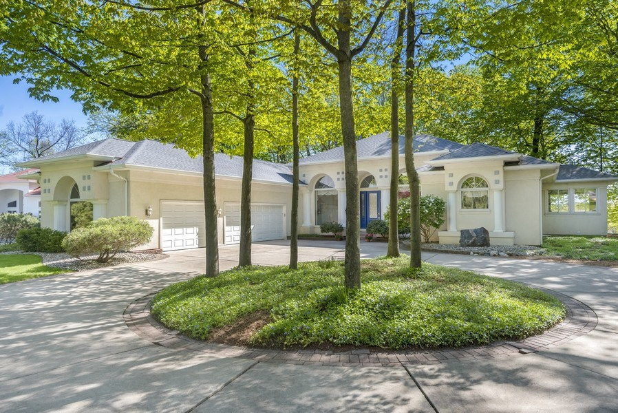 Real Estate Photography - 2337 Spring Arbor, St. Joseph, MI, 49085 - Front View
