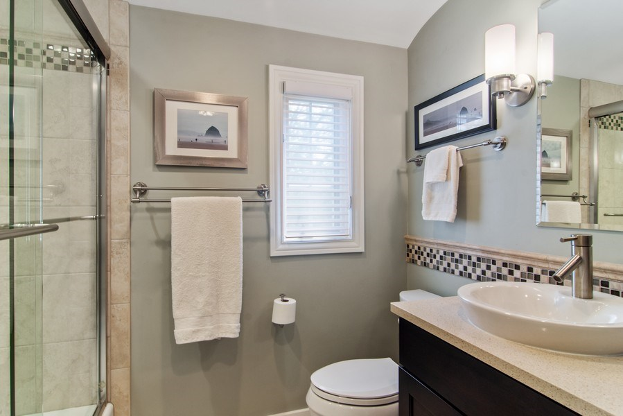 Real Estate Photography - 344 S Bristol, Arlington Heights, IL, 60005 - 2nd Floor Full Bathroom